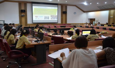 กองบริการการศึกษา จัดประชุมเตรียมความพร้อมก่อนออกแนะแนวการศึกษา ประจำปีการศึกษา 2560